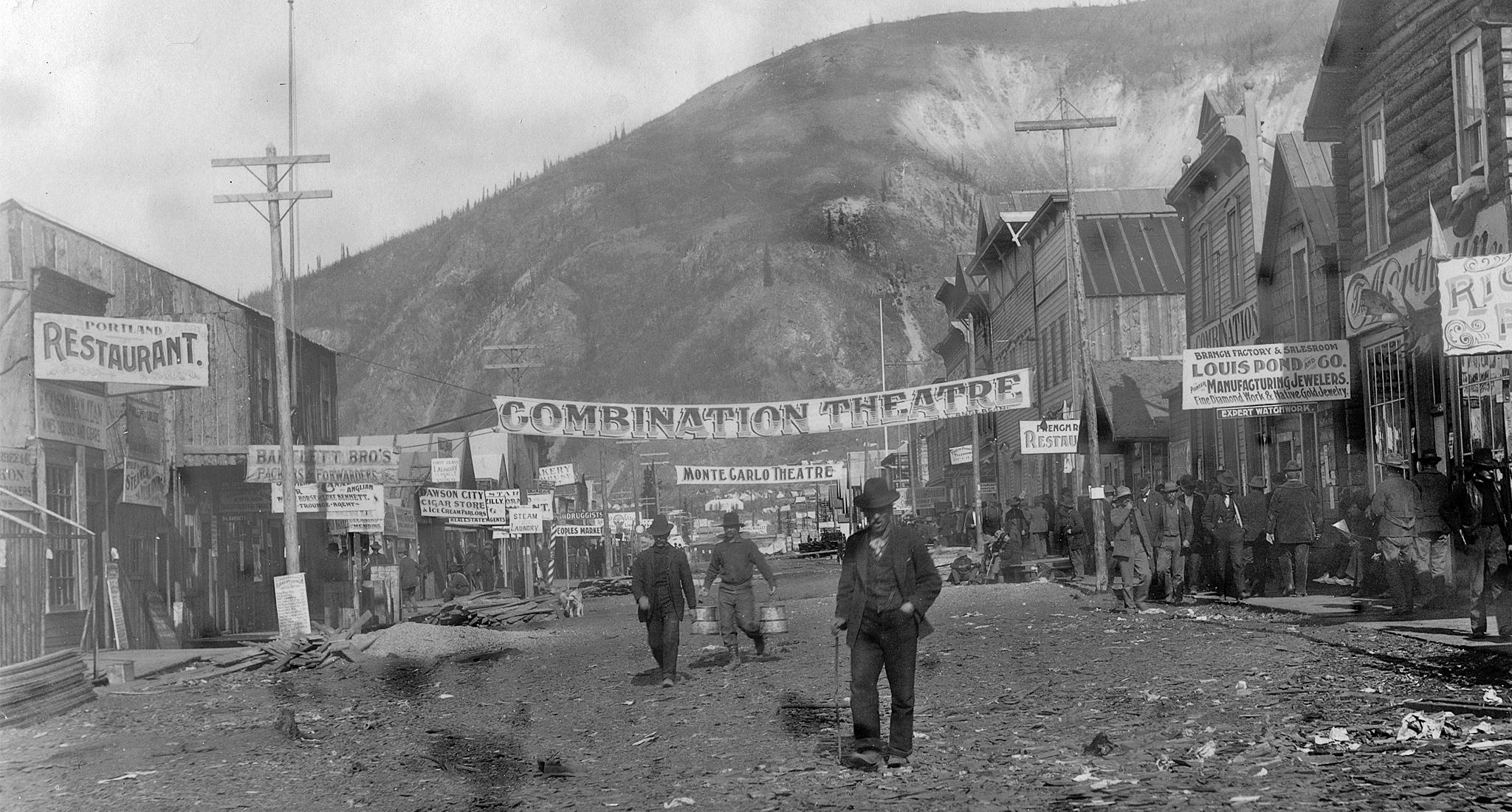 IFF2017–_0043_Dawson City Frozen Time_ First Avenue in Dawson  CIty 1898 courtesy of Vancouver Public Library_Hypnotic P